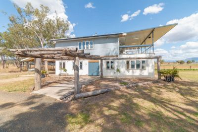 10 ACRES, OFF THE GRID, MONSTER SHED & MULTIPLE HOME BUSINESS OPPORTUNITIES!