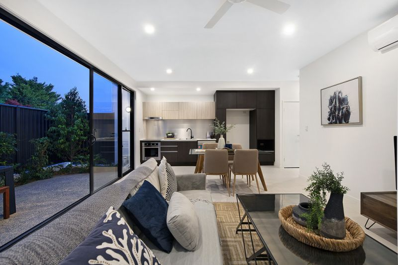 Developer Liquidating 6x Brand New Designer Townhouses - Safe Investment Must Be Sold!