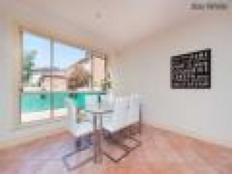 Private Rentals: Hillside, VIC 3037