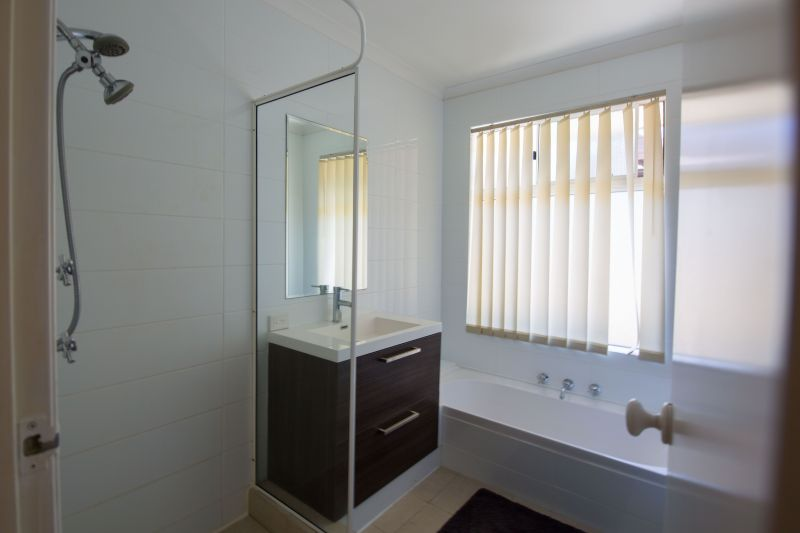 Private Rentals: Mindarie, WA 6030