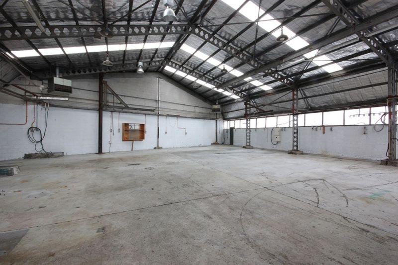 Versatile warehousing opportunity