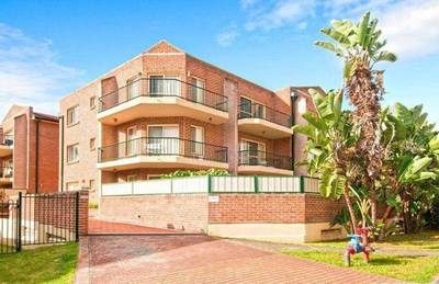 Two bedroom apartment, with the very best modern conveniences Open 12:30-12:45pm Sat