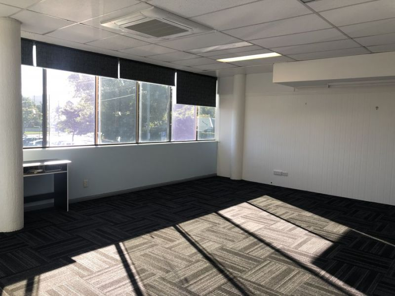 CBD office with onsite parking and lift access...