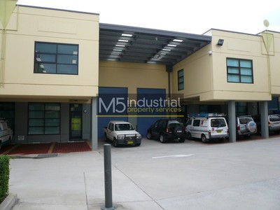 158sqm Modern Warehouse & Office with All Weather Loading