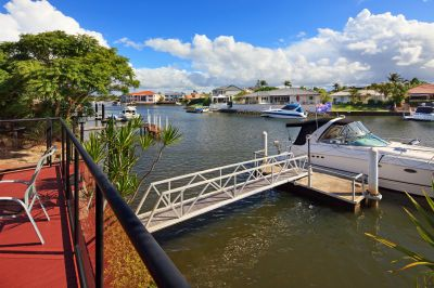 Single Level Waterfront - Runaway Bay Islands