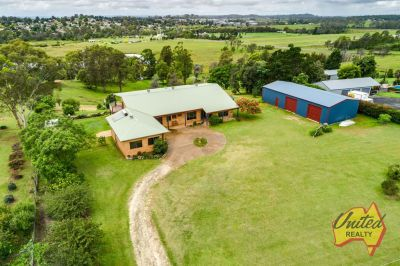 Expansive Family Living - Stunning Views!!!