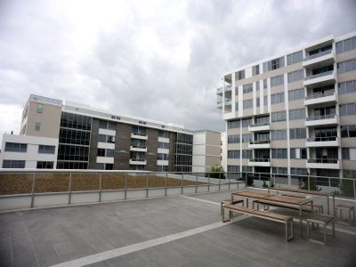 High Ceiling, 2 Bedroom Apartment Featuring Residence Gym, Pool and Sauna within a Security Complex