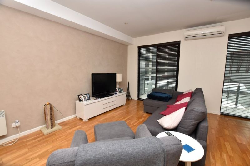 Spacious One Bedroom in the Heart of the City!
