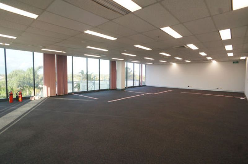 WESTFIELD OFFICE TOWER  - ULTIMATE CONVENIENCE