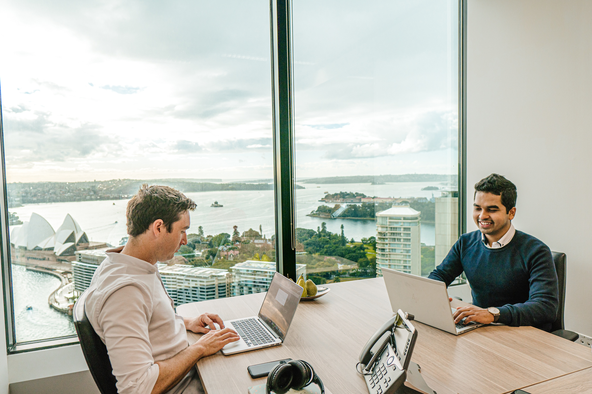 Private 5-person office with views boasting over Sydney's skyline