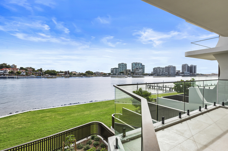 Bulimba's Best Value direct Waterfront
