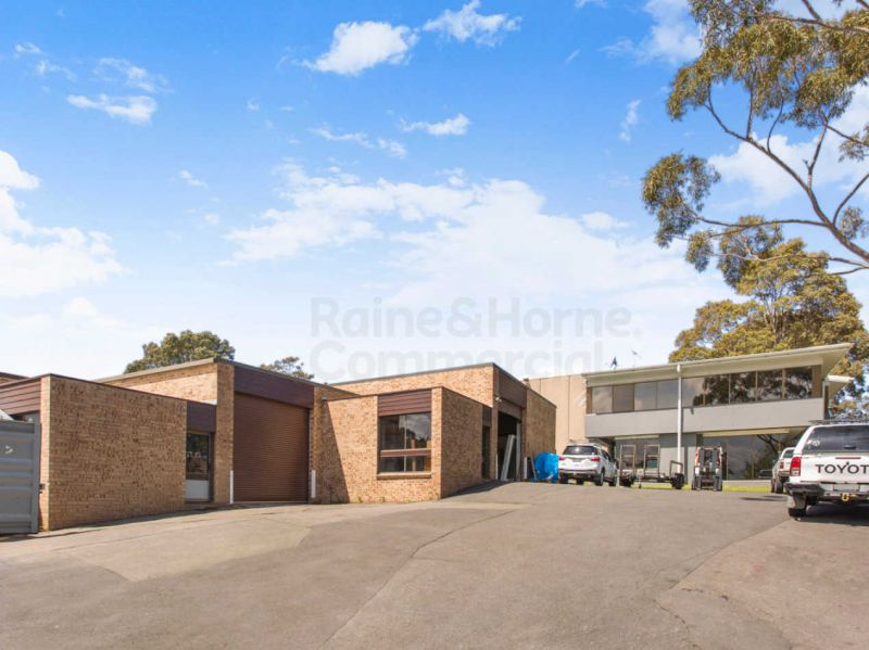Great Little Warehouse Office Combo in Terrey Hills