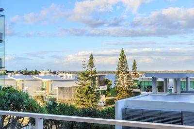 Delightful Apartment - Close to Marina Plus 15m Berth Available