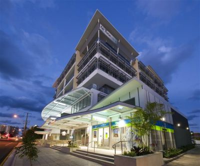 PREMIUM COMMERCIAL OFFICE WITH BALCONY | MOOLOOLABA