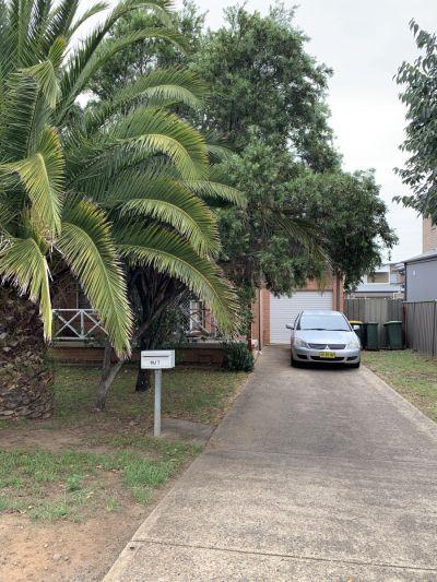 10/8-10 Kent Street, Minto, NSW