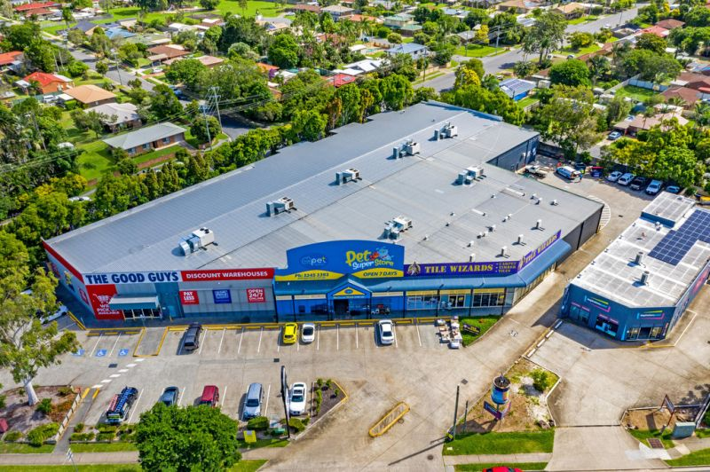 HIGH PROFILE - HUGE EXPOSURE - REDLAND BAY ROAD LOCATION