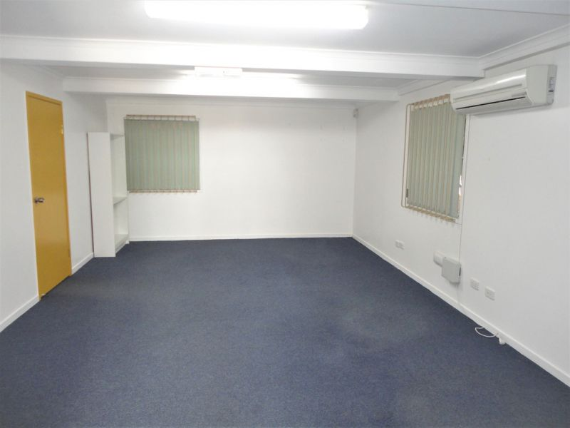 Professional Offices – Close To Ipswich Courts And Mall