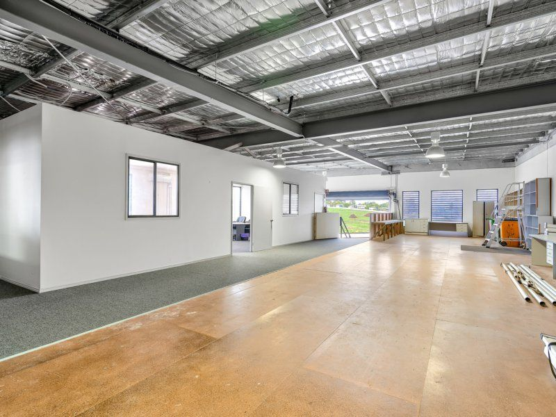 Industrial Unit With Office & Excellent Onsite Parking