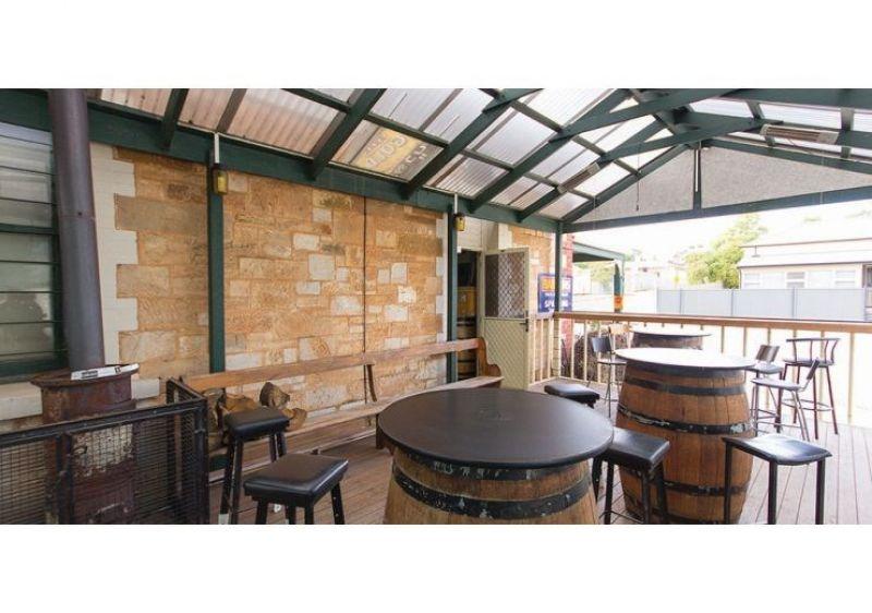 Unique Tourist Attraction Pub and Hotel - Spalding, SA