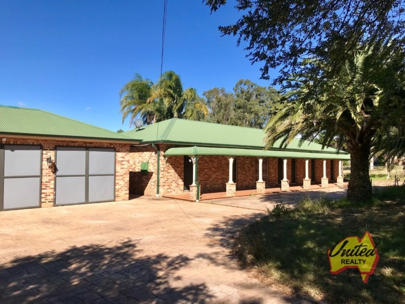 Impressive 4 Bedroom Home with 1 Bedroom Granny Flat