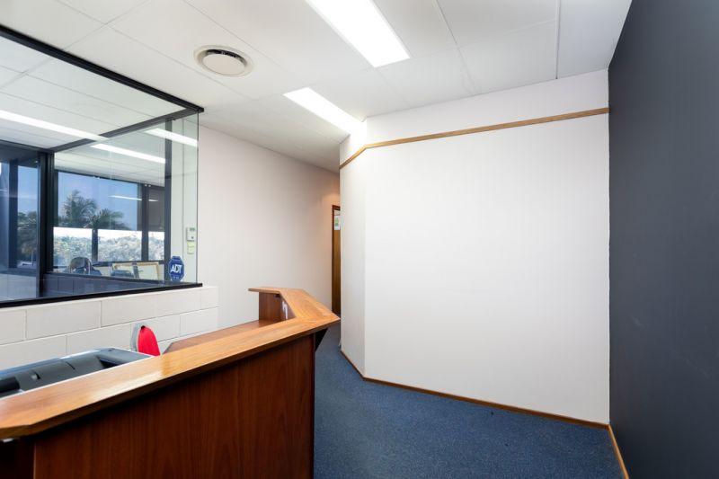 Immediate Liquidation! Boutique Full Floor Office