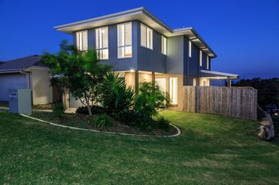 4 BEDROOM FAMILY HOME WITH GORGEOUS HILLTOP VIEWS