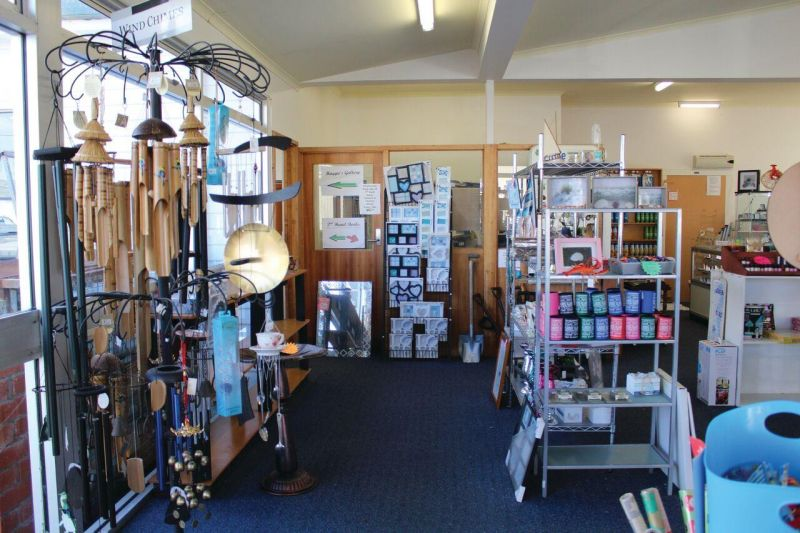 Freehold Retail Shop With 2-Bedroom Flat - Whitemark, Flinders Island