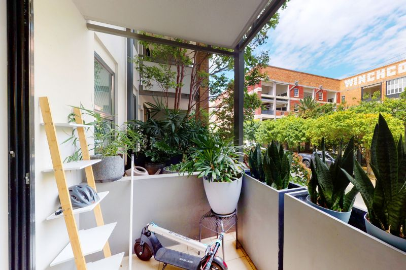 Quiet Apartment with Leafy Outlook>