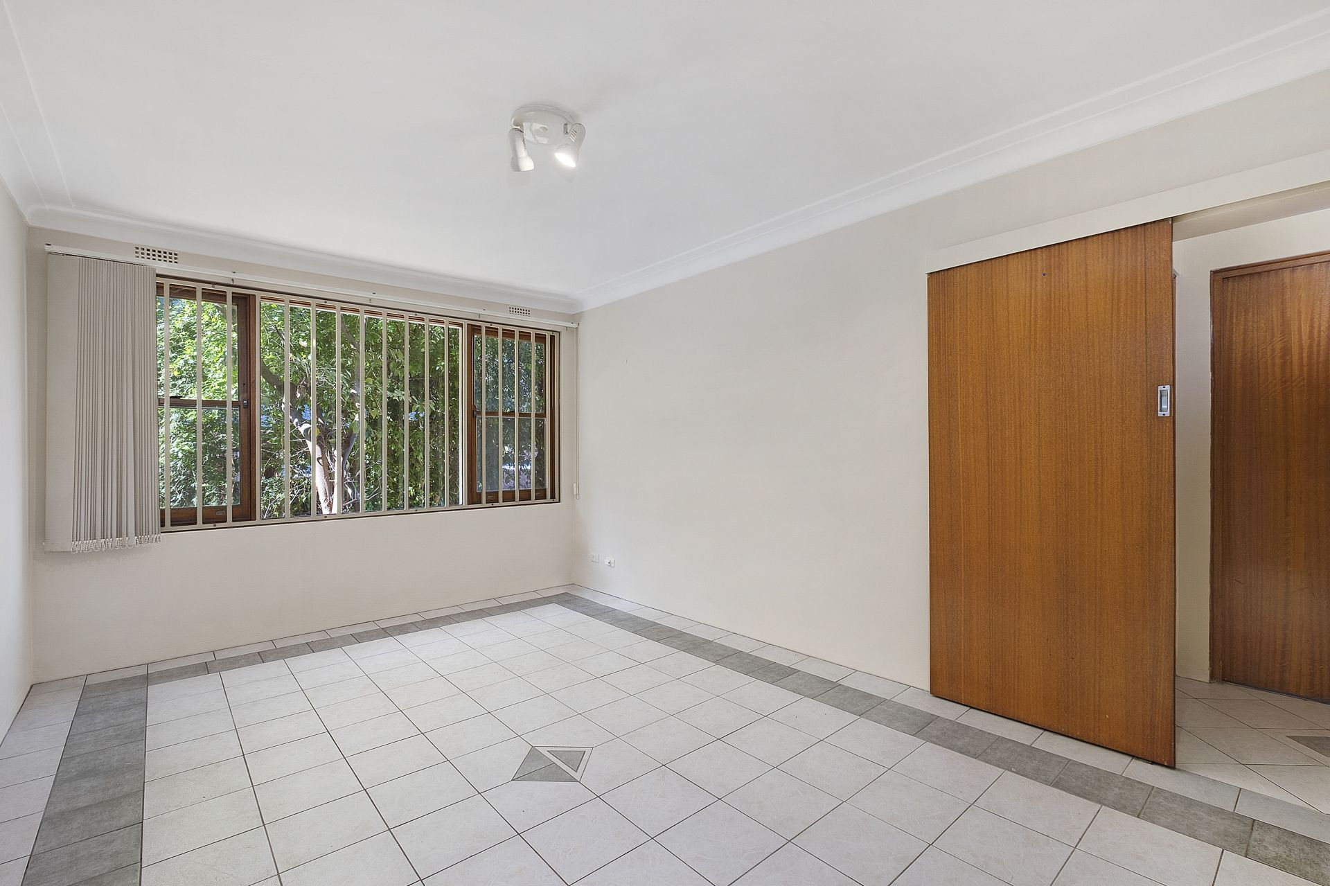 8/21 Cecil Street, Ashfield