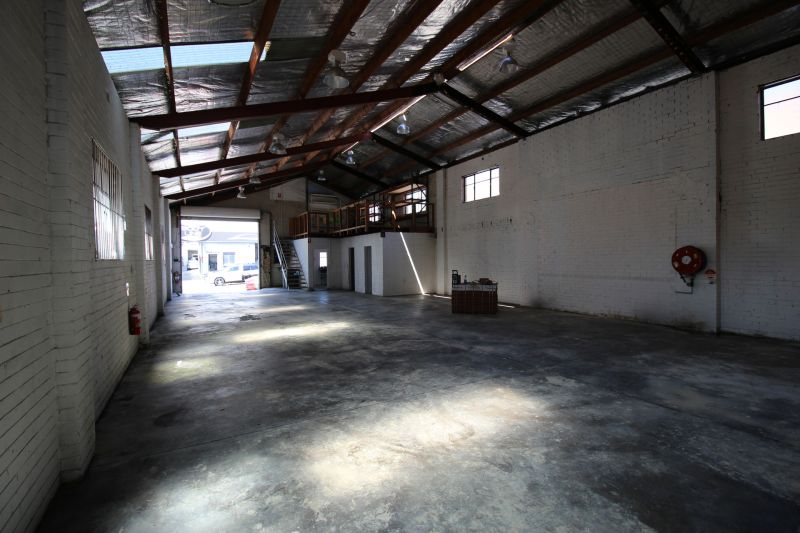 OPEN PLAN WAREHOUSE