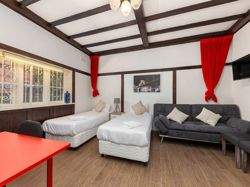 Renovated, Furnished House with 4-5 Bedrooms, 5 Bathrooms