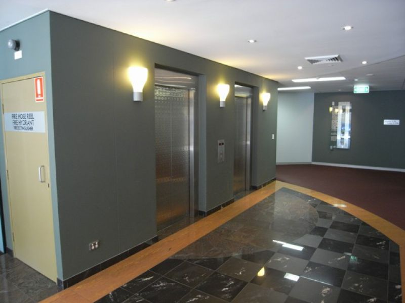 OPEN PLAN OFFICE SUITE WITH BUSHLAND VIEWS