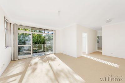 Sunny Bayside Apartment