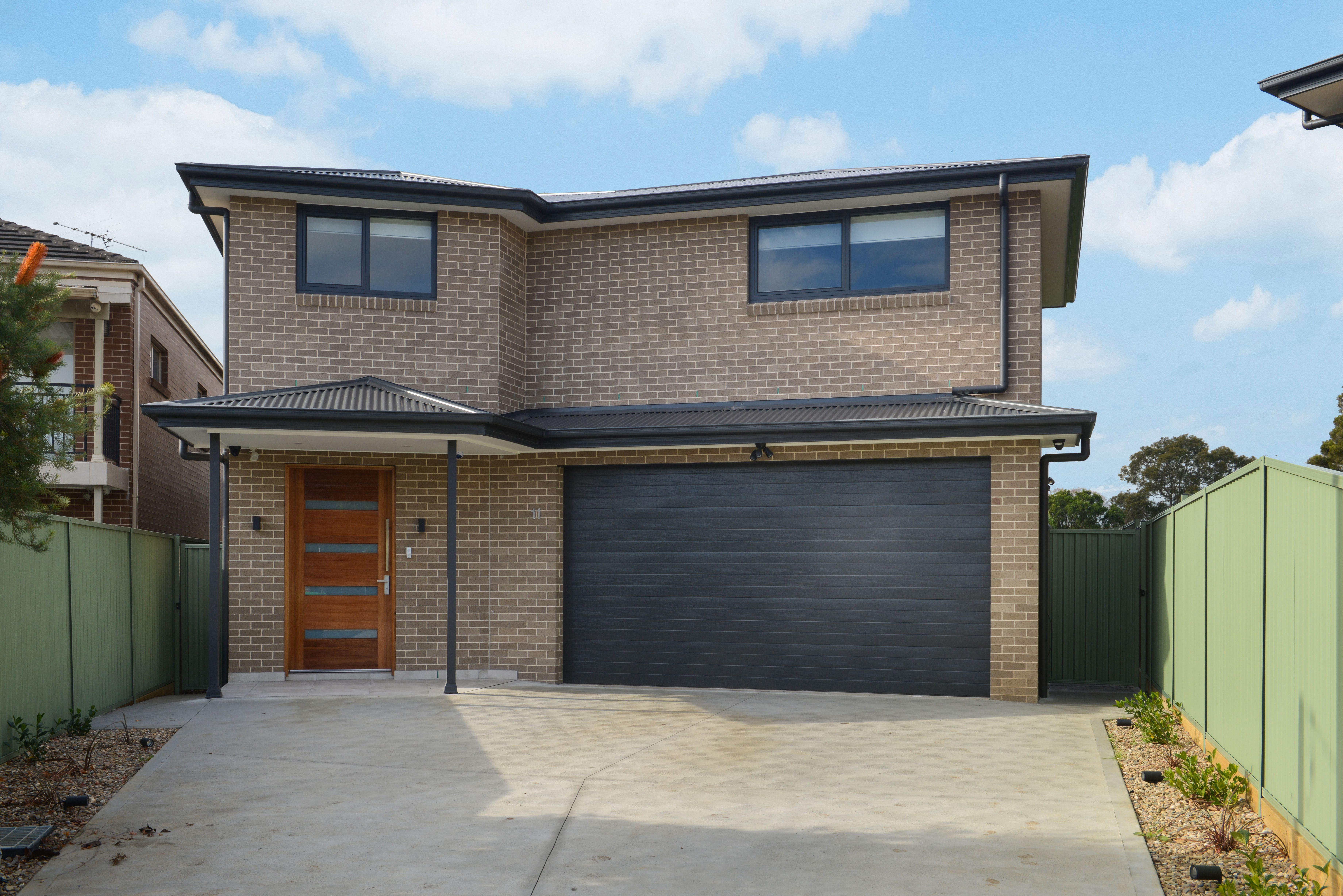 11 McCahons Avenue, Georges Hall NSW 2198