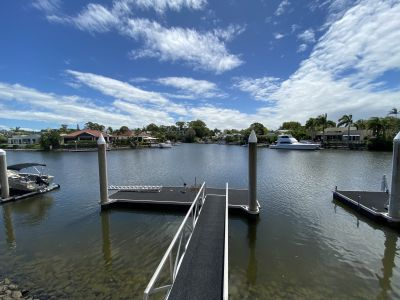 Fully Upgraded Northerly Aspect Waterfront Home