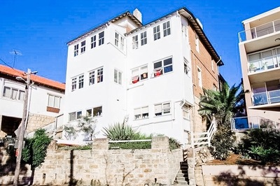 Charming harbour side apartment steps from the beach