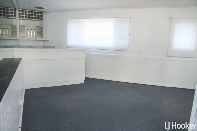 Cheap 27 sqm Office Available
