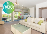 Spacious three bedroom villa with new kitchen appliances and lots of extras.