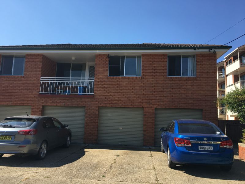 Cardow & Partners Coffs exclusively offers this three bedroom unit available for rent.