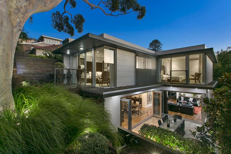 Stand Out Designer Residence On A Line Of Blue Ribbon Properties