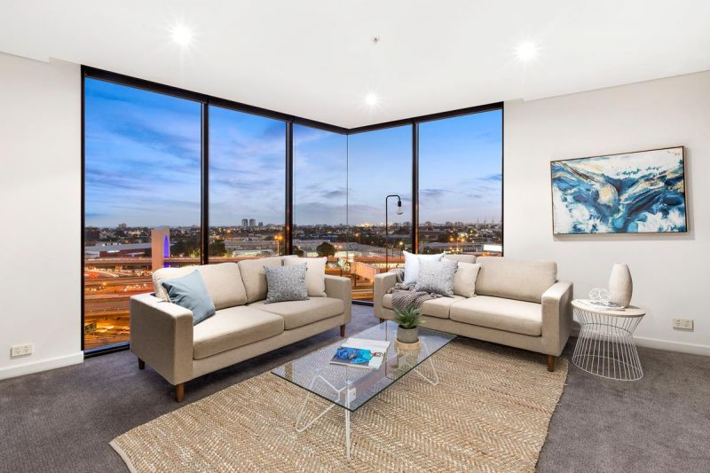 A Thoughtful and Stylish Yarra's Edge Apartment