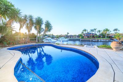 Beautiful Waterfront House with Pontoon, Boat Ramp and a Pool.