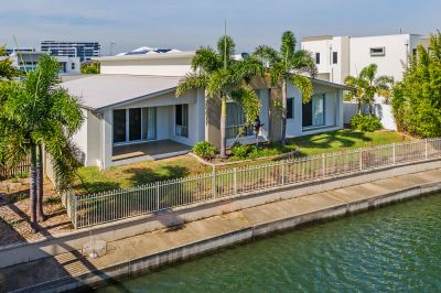 North Facing Single Level Waterfront Home With Plenty of Features!