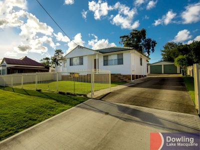 IMMACULATELY PRESENTED & MAINTAINED FAMILY HOME