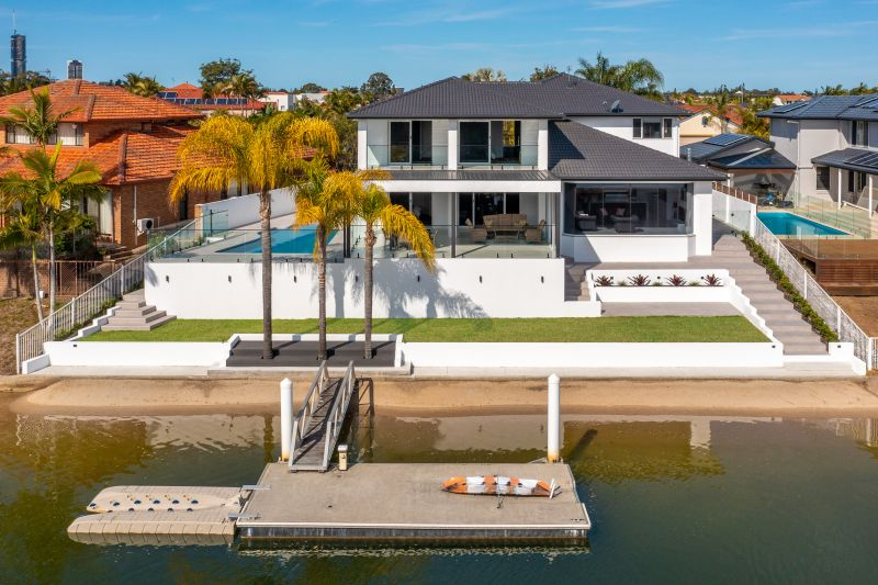 Exceptional Waterfront Elegance