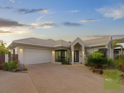 2 Heliconia Court, Mount Louisa