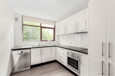 RENOVATED THREE BEDROOM UNIT IN BEAUTIFUL LOCATION