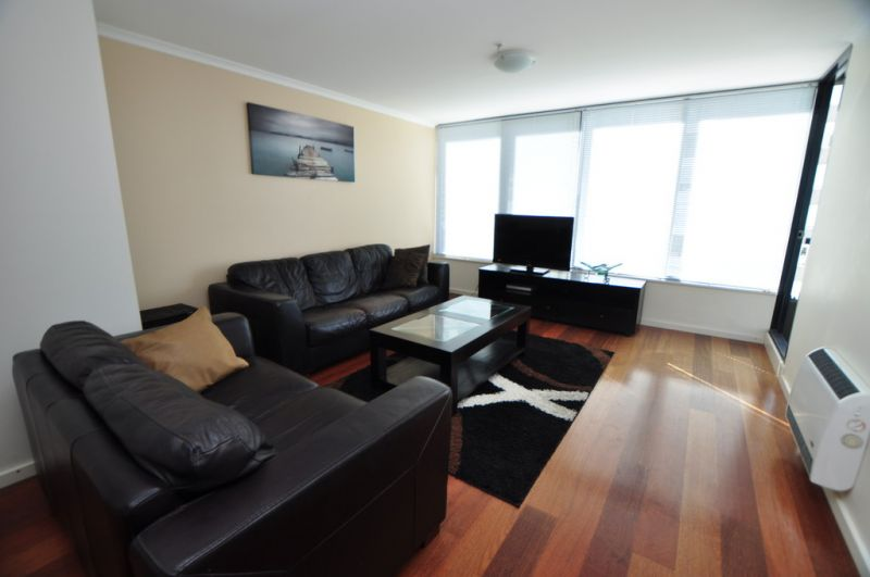 Yarra Condos: 14th Floor - Furnished One Bedroom, Make This Your New Home!