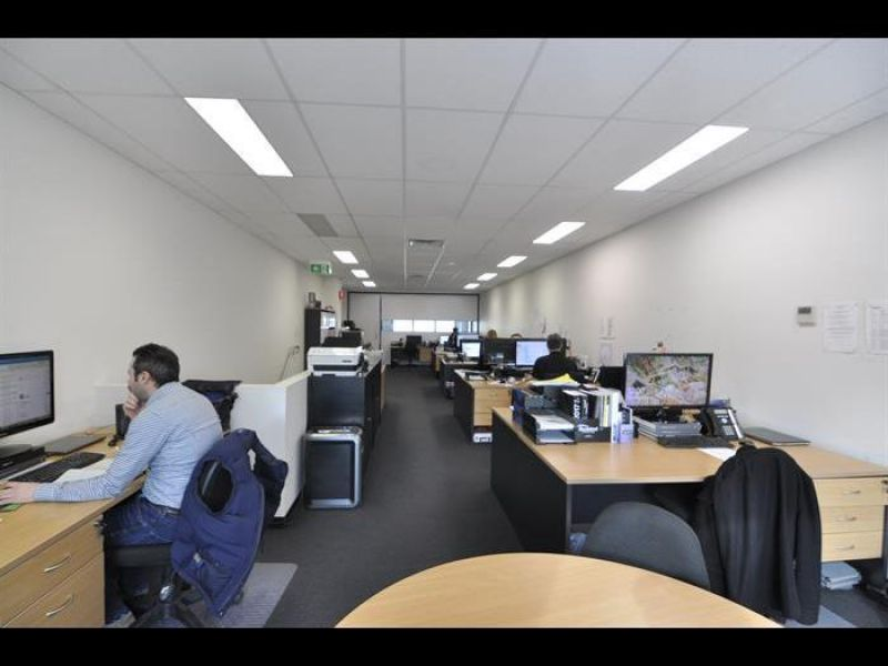 OFFICE / SHOWROOM / WAREHOUSE