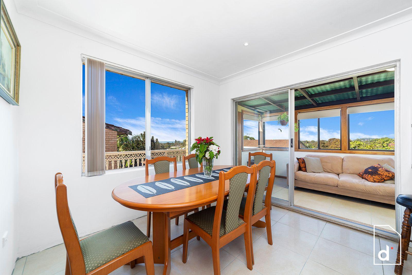 52 The Avenue, Corrimal NSW
